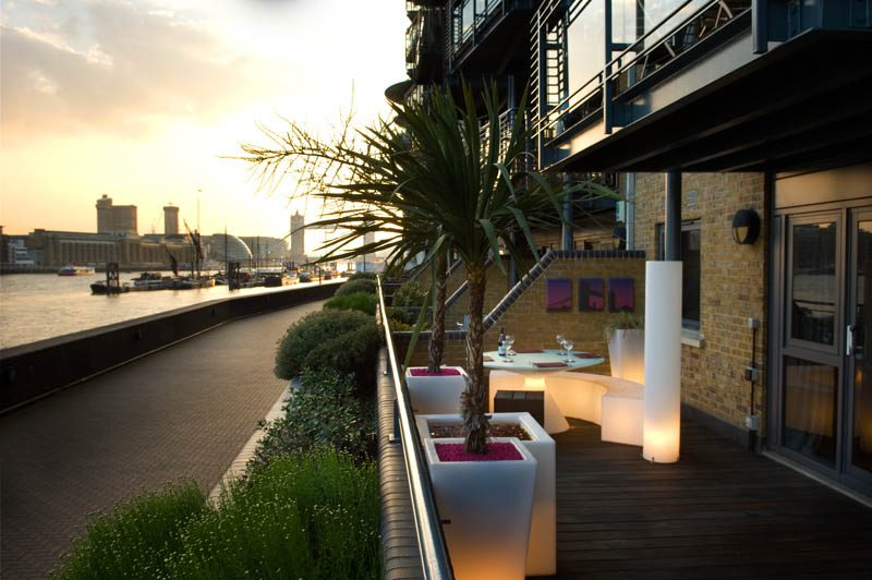Garden design for a roof terrace in east london earth for Garden design east london