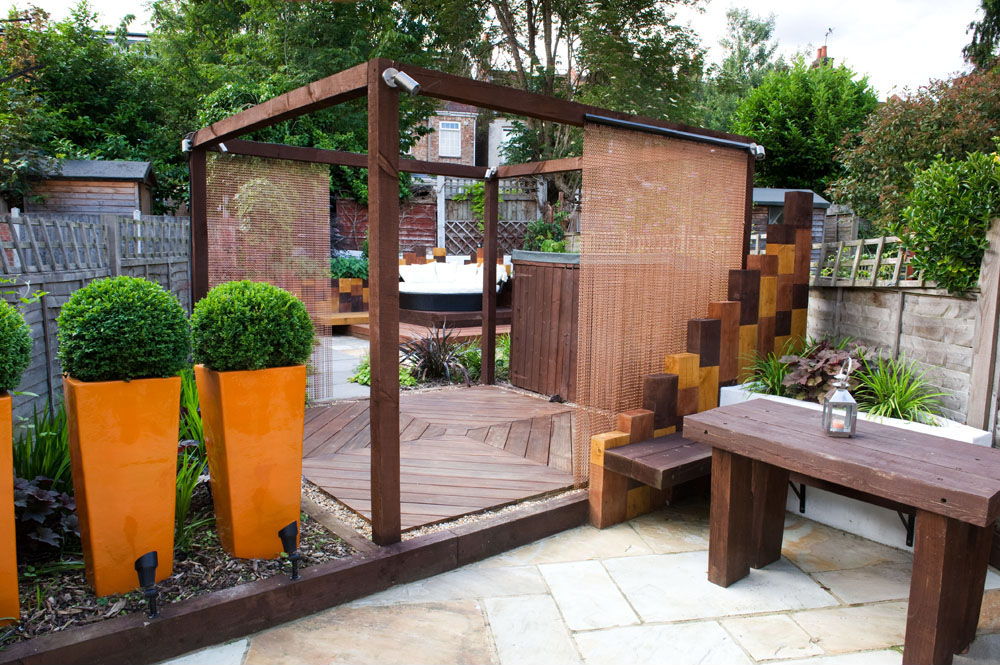 Timber Pergola Modern Town Garden East London ...