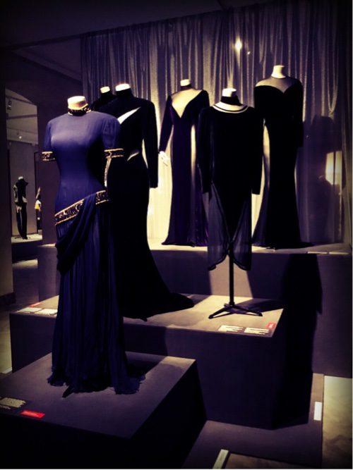 Transparent fabrics give a seductive unprovactive fashion