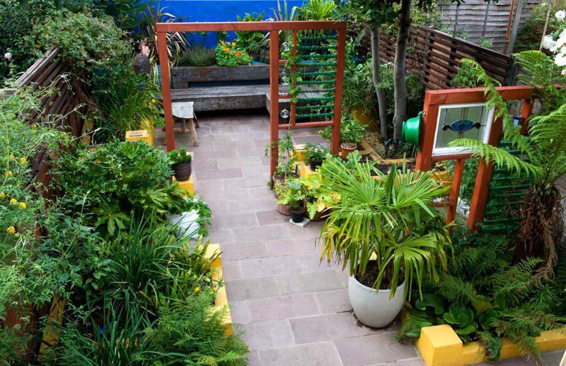small garden design ideas - create zones