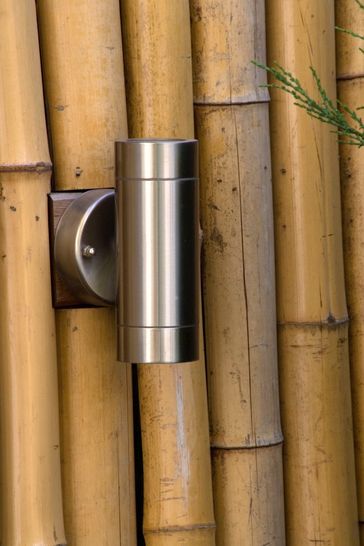 Chunky bamboo poles give an added dimension