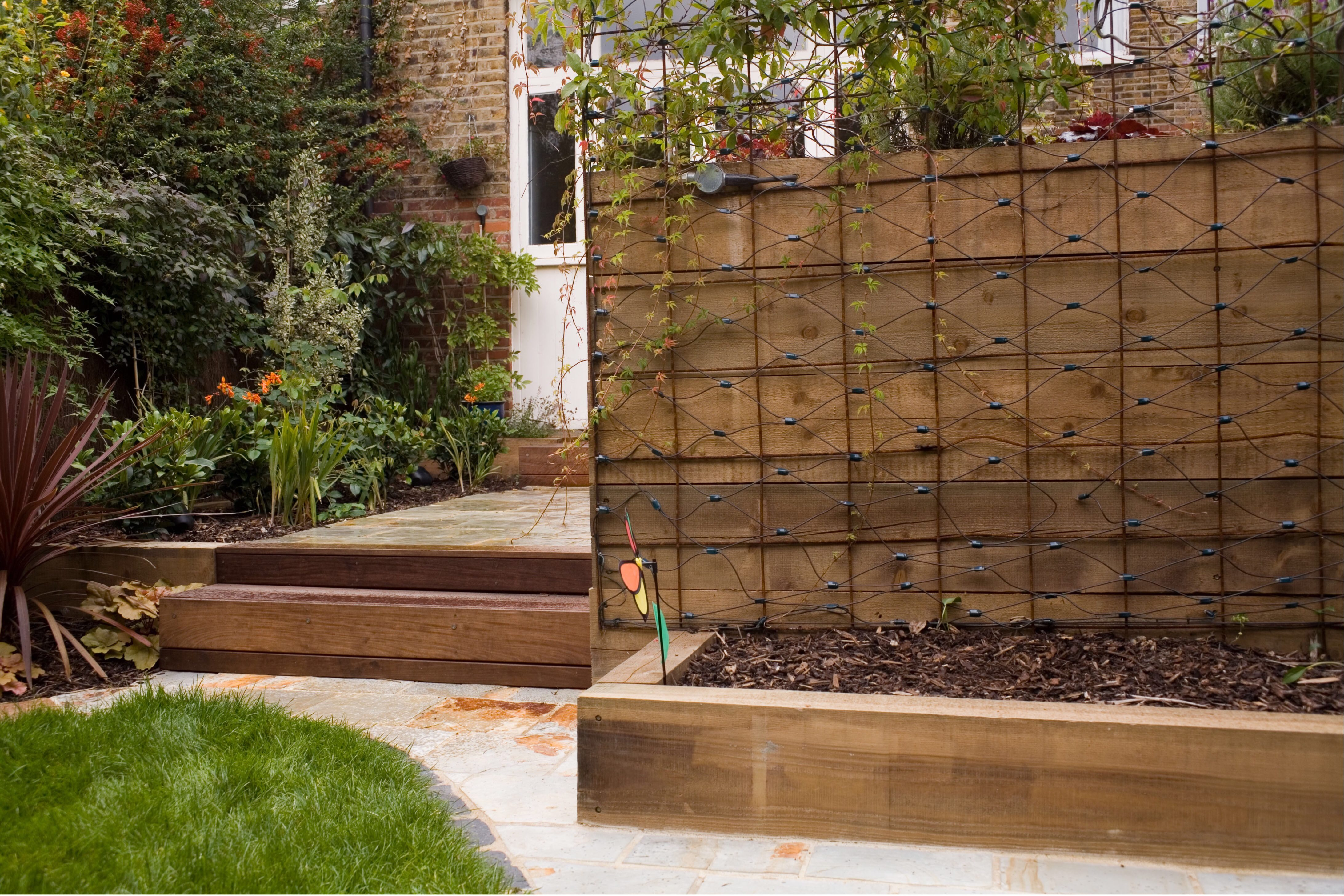 Railway sleepers can be used for levelling ground